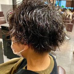スパイラルパーマ メンズパーマ メンズカット メンズ ヘアスタイルや髪型の写真・画像