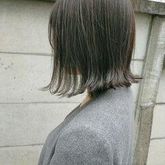 スモーキーカラー ボブ ナチュラル 切りっぱなしボブ ヘアスタイルや髪型の写真・画像
