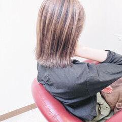 ナチュラル ミディアム バレイヤージュ グラデーション ヘアスタイルや髪型の写真・画像