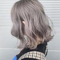 ホワイトグラデーション シルバーアッシュ ホワイトシルバー ミルクティーベージュ ヘアスタイルや髪型の写真・画像