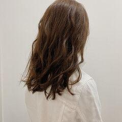 ロング ナチュラル ベージュ 大人女子 ヘアスタイルや髪型の写真・画像