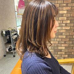 ミディアム ダメージレス 透明感カラー イルミナカラー ヘアスタイルや髪型の写真・画像