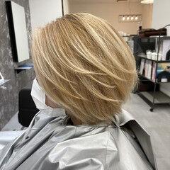 ブロンド プラチナブロンド ストリート ミルクティーベージュ ヘアスタイルや髪型の写真・画像