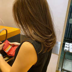 透明感カラー ヘルシーミディ ベージュカラー ナチュラル ヘアスタイルや髪型の写真・画像
