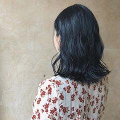 暗色カラー ブルーブラック 外ハネ ネイビーブルー ヘアスタイルや髪型の写真・画像