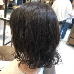 大人かわいい ナチュラル ゆるふわパーマ 無造作パーマ ヘアスタイルや髪型の写真・画像