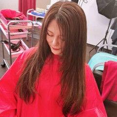レイヤーカット レイヤーヘアー セミロング レイヤー ヘアスタイルや髪型の写真・画像