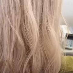 セミロング ストリート ミルクティーアッシュ ミルクティーベージュ ヘアスタイルや髪型の写真・画像