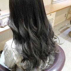 3Dハイライト グレージュ ガーリー ロング ヘアスタイルや髪型の写真・画像