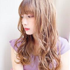 前髪あり デジタルパーマ 360度どこからみても綺麗なロングヘア 大人可愛い ヘアスタイルや髪型の写真・画像