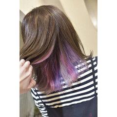 ユニコーン インナーカラー インナーピンク 切りっぱなしボブ ヘアスタイルや髪型の写真・画像