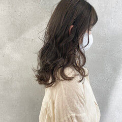 ナチュラル ローライト ブリーチなし ロング ヘアスタイルや髪型の写真・画像