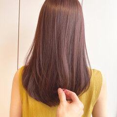 ピンクアッシュ 美髪 透明感カラー セミロング ヘアスタイルや髪型の写真・画像