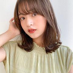 インナーカラー ミディアム 小顔ヘア レイヤーカット ヘアスタイルや髪型の写真・画像