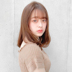 デジタルパーマ ワンカールパーマ セミロング ナチュラル ヘアスタイルや髪型の写真・画像