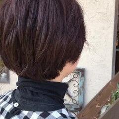 ナチュラル マッシュヘア マッシュショート カシスレッド ヘアスタイルや髪型の写真・画像