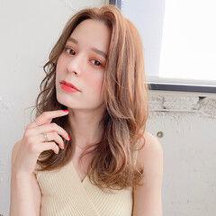 髪質改善 セミロング フェミニン ブラウンベージュ ヘアスタイルや髪型の写真・画像