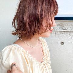 ダブルカラー ゆるふわパーマ レイヤーカット くびれカール ヘアスタイルや髪型の写真・画像