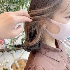 ミディアム 大人ハイライト フェミニン イヤリングカラー ヘアスタイルや髪型の写真・画像