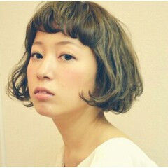 レザーカット アッシュベージュ ショート ボブ ヘアスタイルや髪型の写真・画像