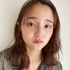 ミディアム 後れ毛 無造作パーマ ゆるふわパーマ ヘアスタイルや髪型の写真・画像