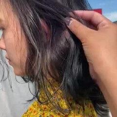 ネイビー ウェーブヘア アッシュグレージュ グラデーションカラー ヘアスタイルや髪型の写真・画像