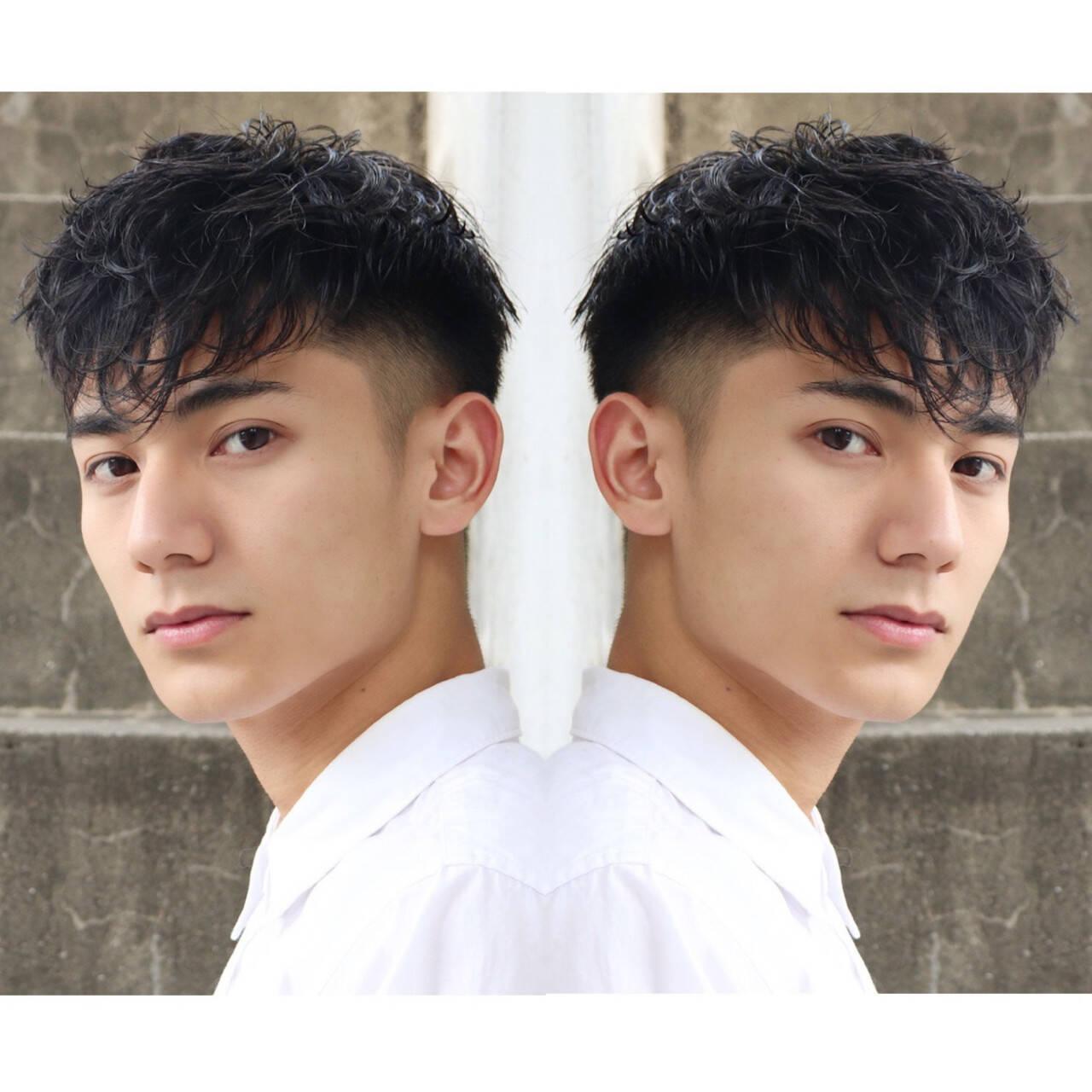 フェードカット メンズショート メンズスタイル スパイラルパーマヘアスタイルや髪型の写真・画像