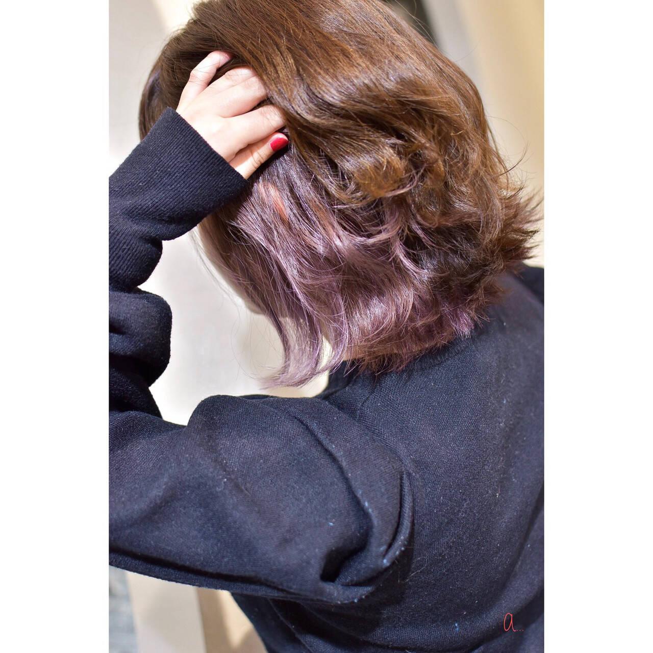 インナーピンク 切りっぱなしボブ イヤリングカラー ガーリーヘアスタイルや髪型の写真・画像
