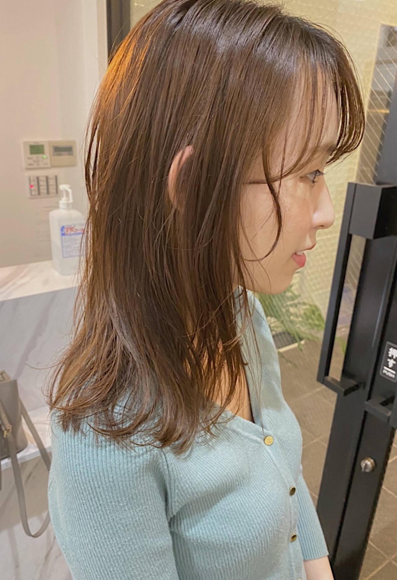 ミルクティー ブラウン ミルクティーベージュ ナチュラルヘアスタイルや髪型の写真・画像