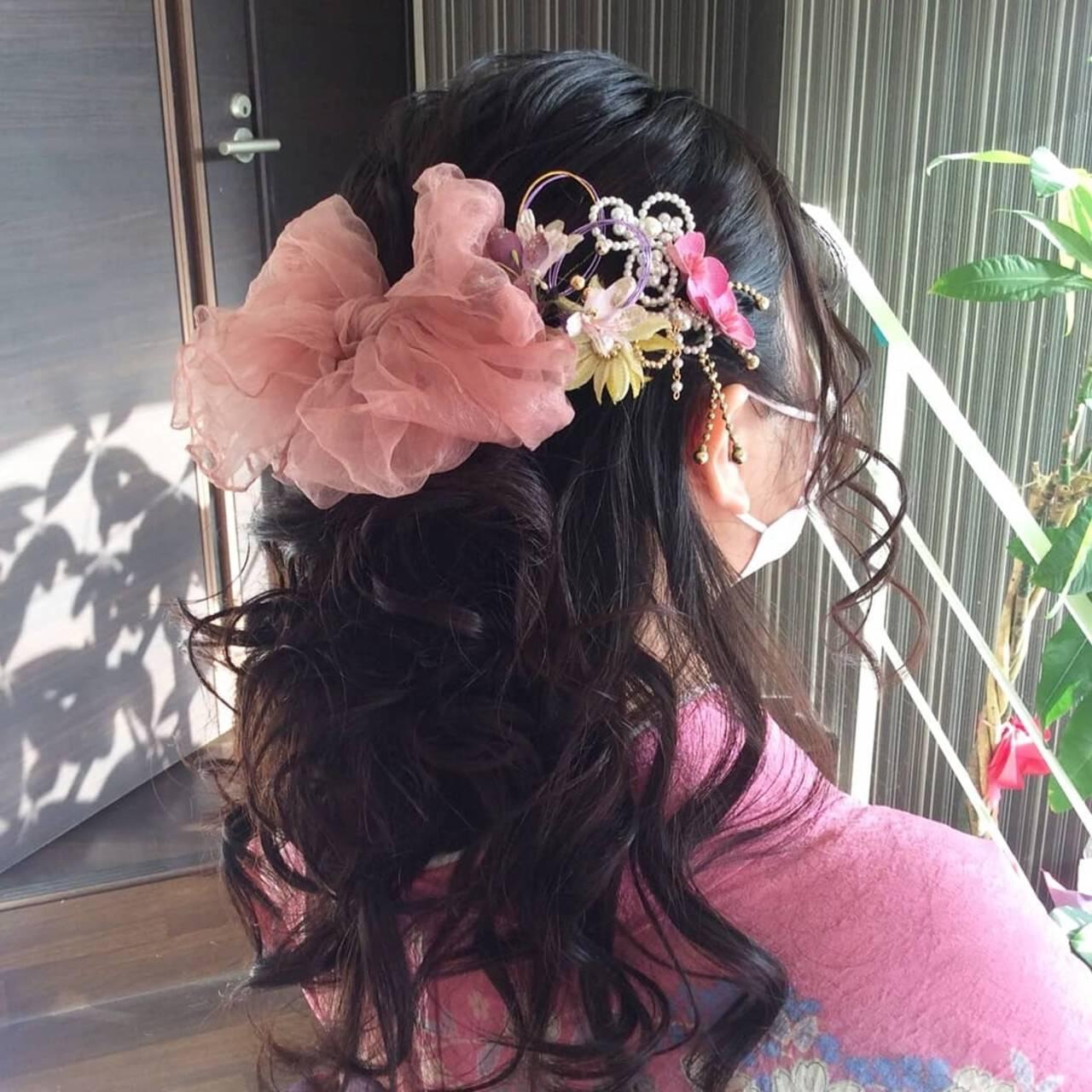 卒業式 ふわふわヘアアレンジ ミディアム ナチュラルヘアスタイルや髪型の写真・画像