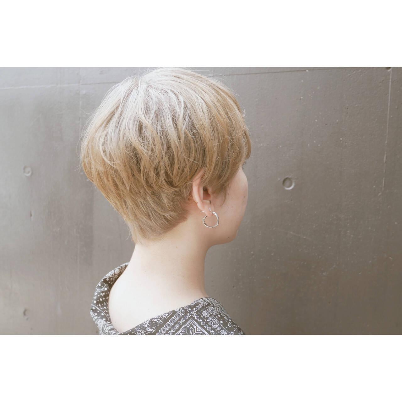 ベリーショート ナチュラル ショート ハイトーンカラーヘアスタイルや髪型の写真・画像