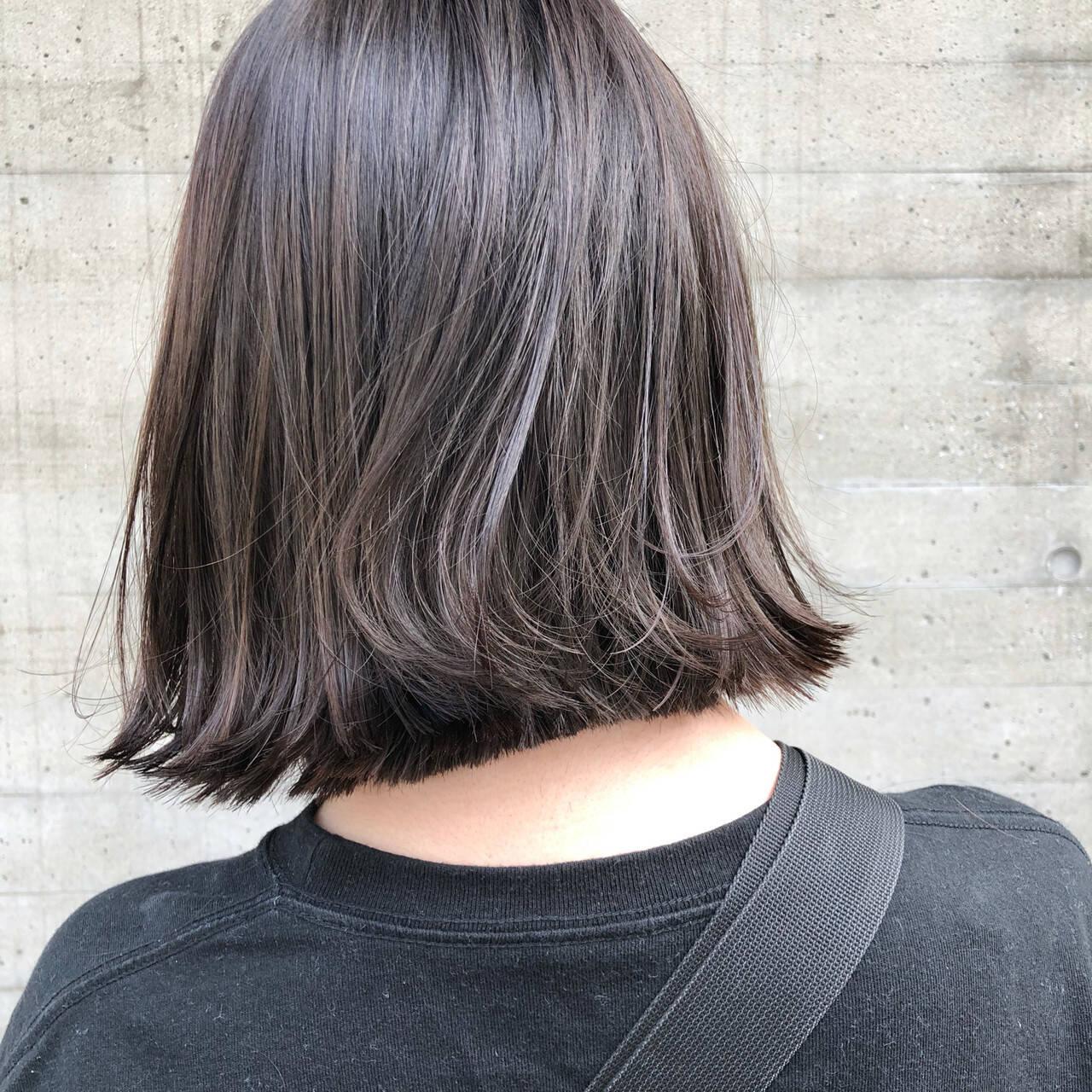 グレージュ 外ハネ 外ハネボブ ナチュラルヘアスタイルや髪型の写真・画像