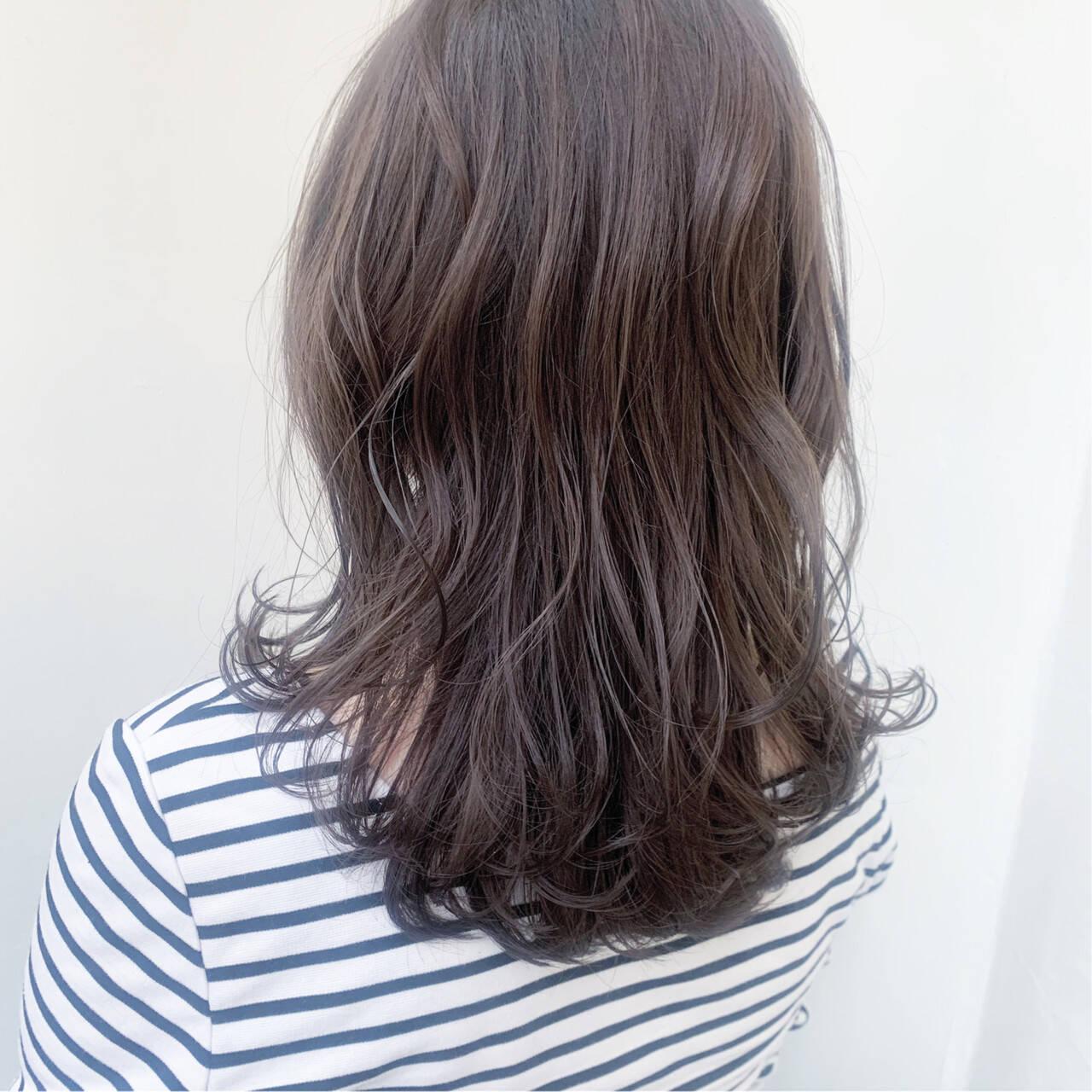 ダブルカラー ブルーアッシュ 透明感カラー 透明感ヘアスタイルや髪型の写真・画像