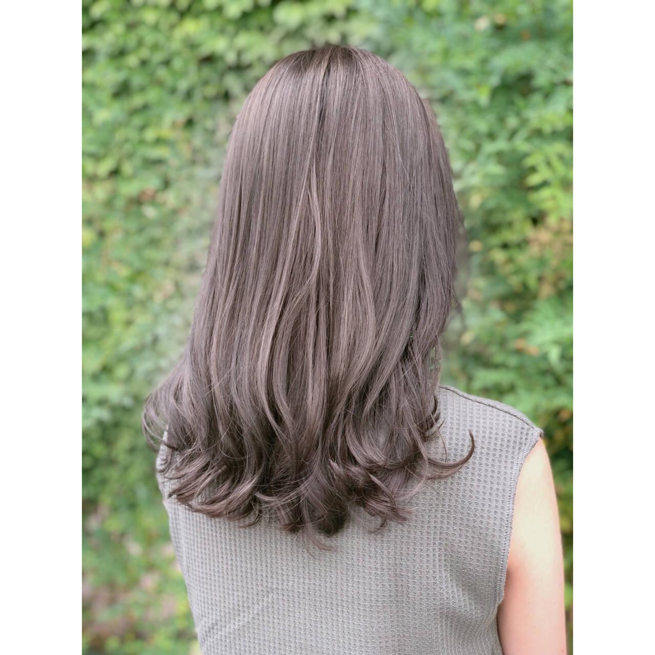ラベンダー ラベンダーアッシュ フェミニン セミロングヘアスタイルや髪型の写真・画像