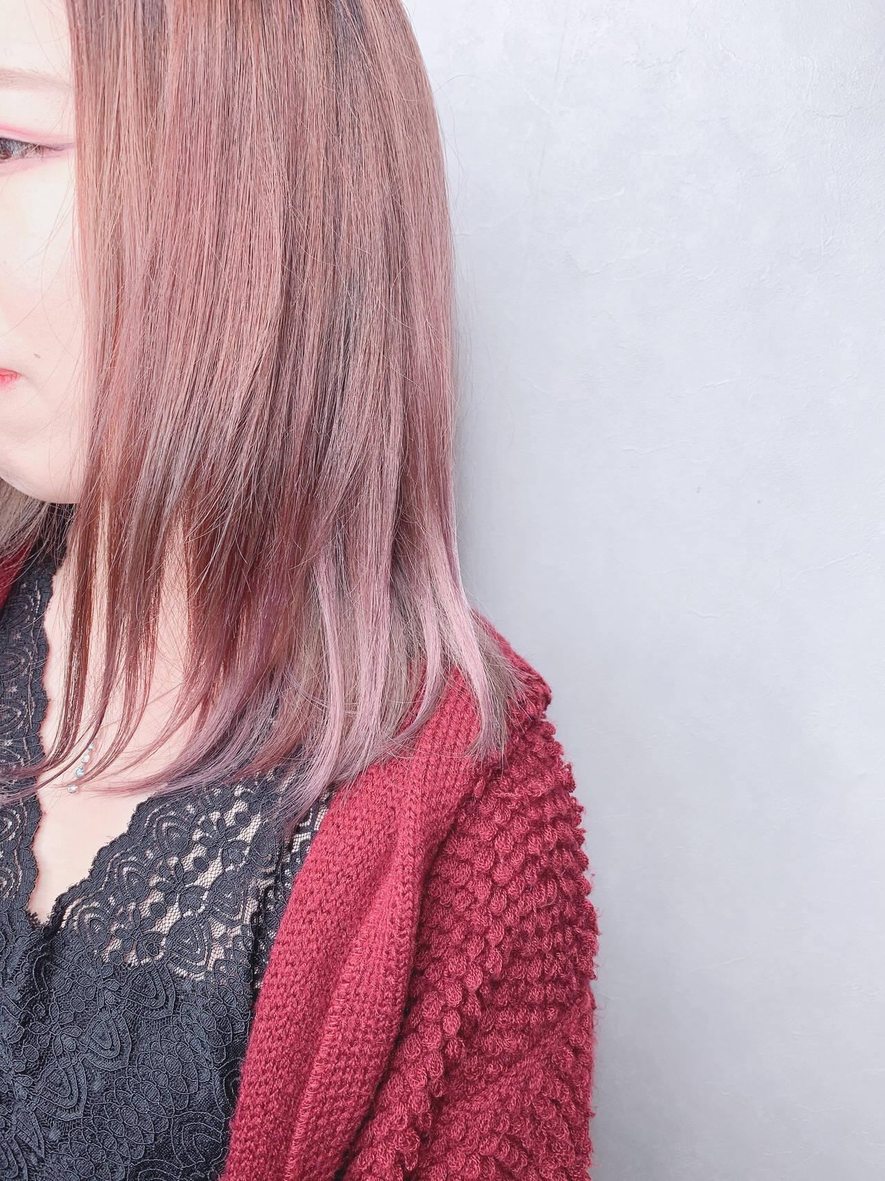 ミルクティーベージュ ミディアム ピンクベージュ ローズヘアスタイルや髪型の写真・画像