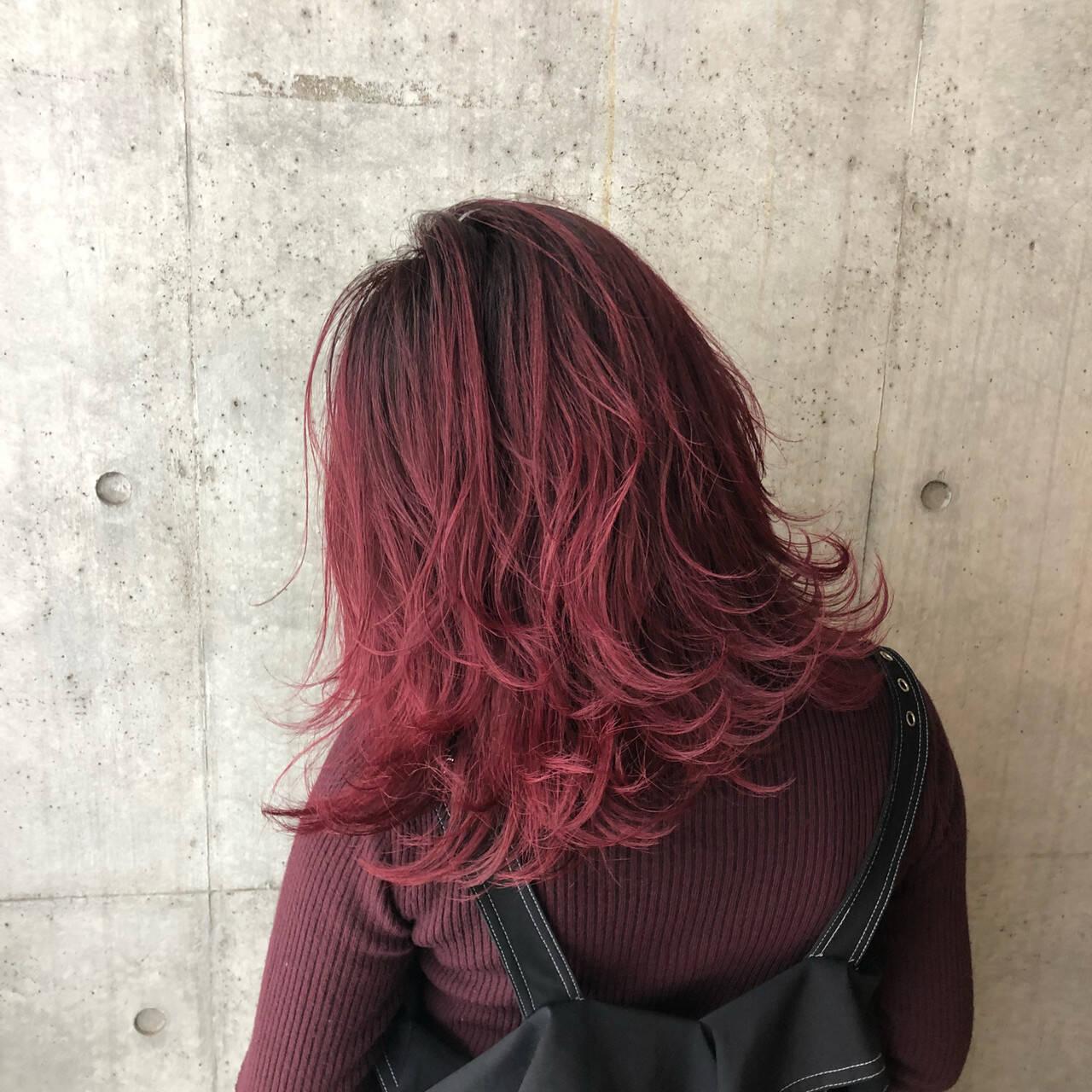 セミロング バレイヤージュ レイヤーカット ストリートヘアスタイルや髪型の写真・画像