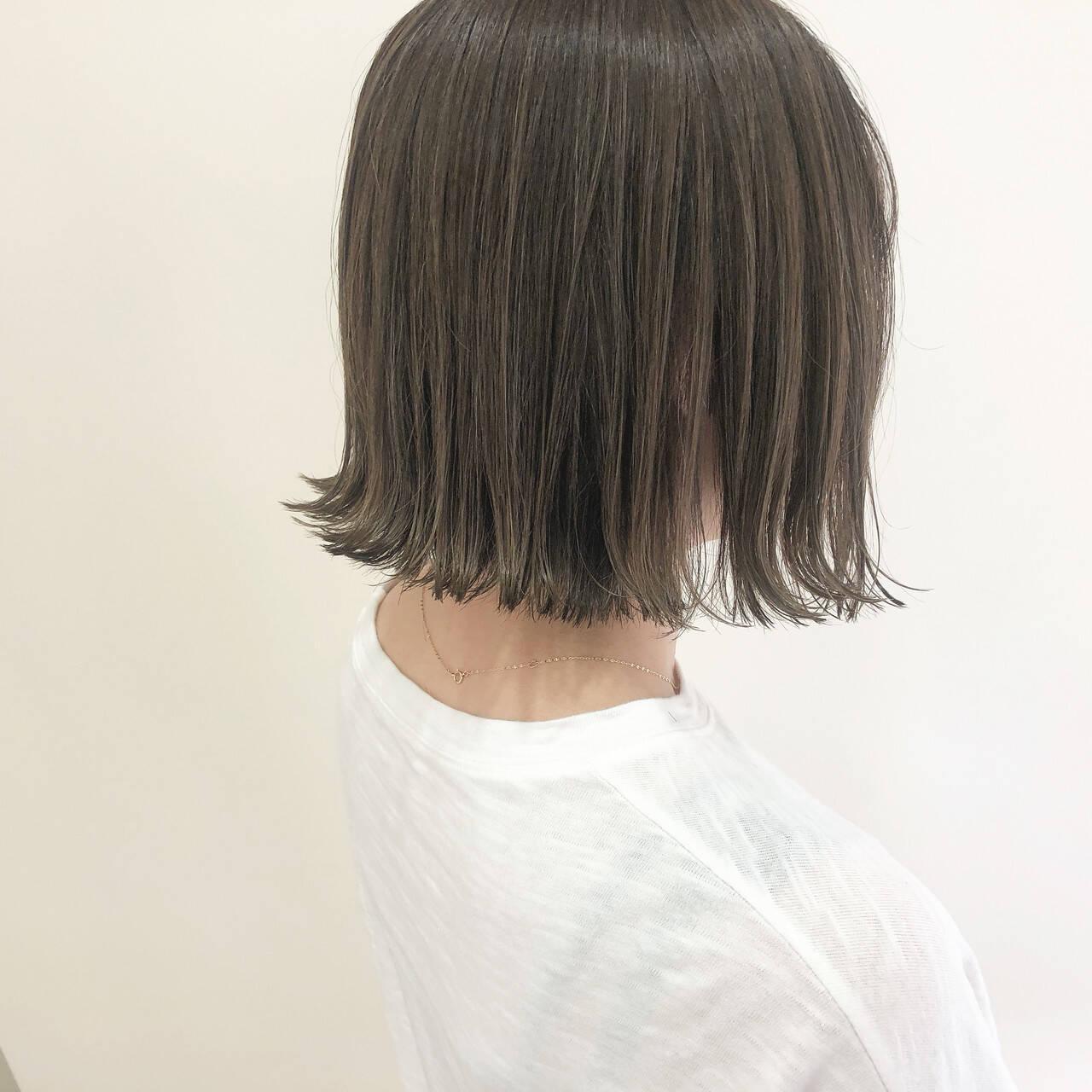 ボブ 切りっぱなしボブ ベージュ 透明感ヘアスタイルや髪型の写真・画像