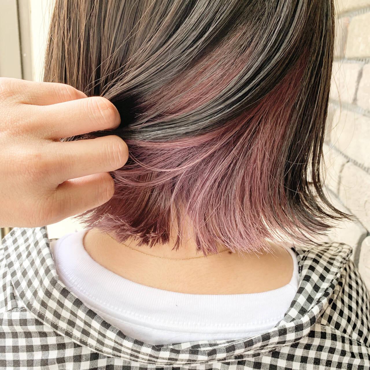 ボブ ストリート インナーカラー グレージュヘアスタイルや髪型の写真・画像