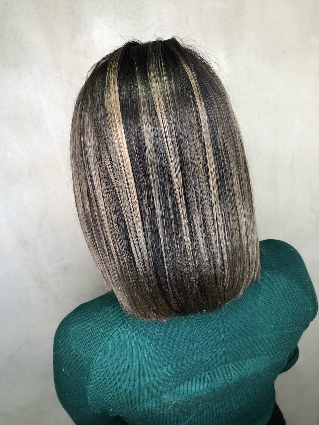 グレージュ ボブ ナチュラル グラデーションカラーヘアスタイルや髪型の写真・画像