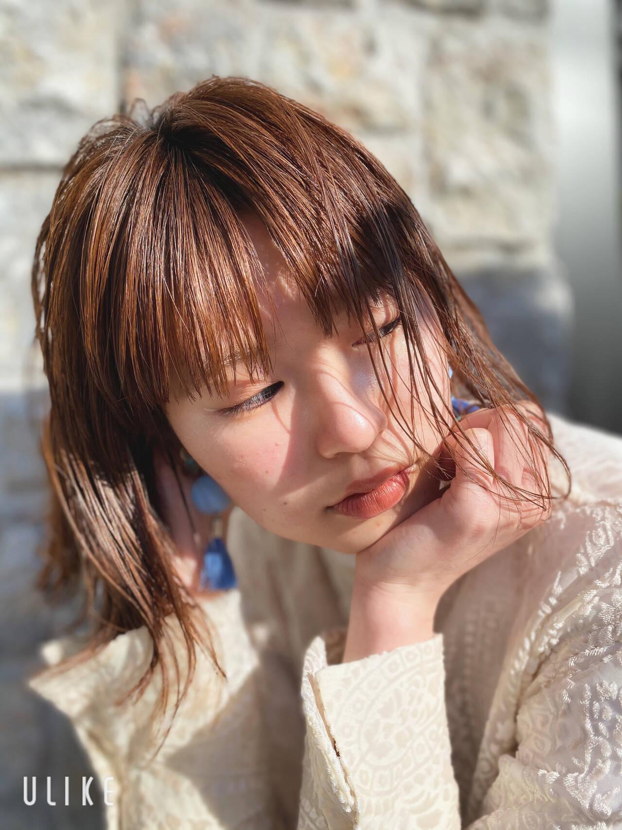 切りっぱなしボブ インナーカラー ミニボブ ナチュラルヘアスタイルや髪型の写真・画像