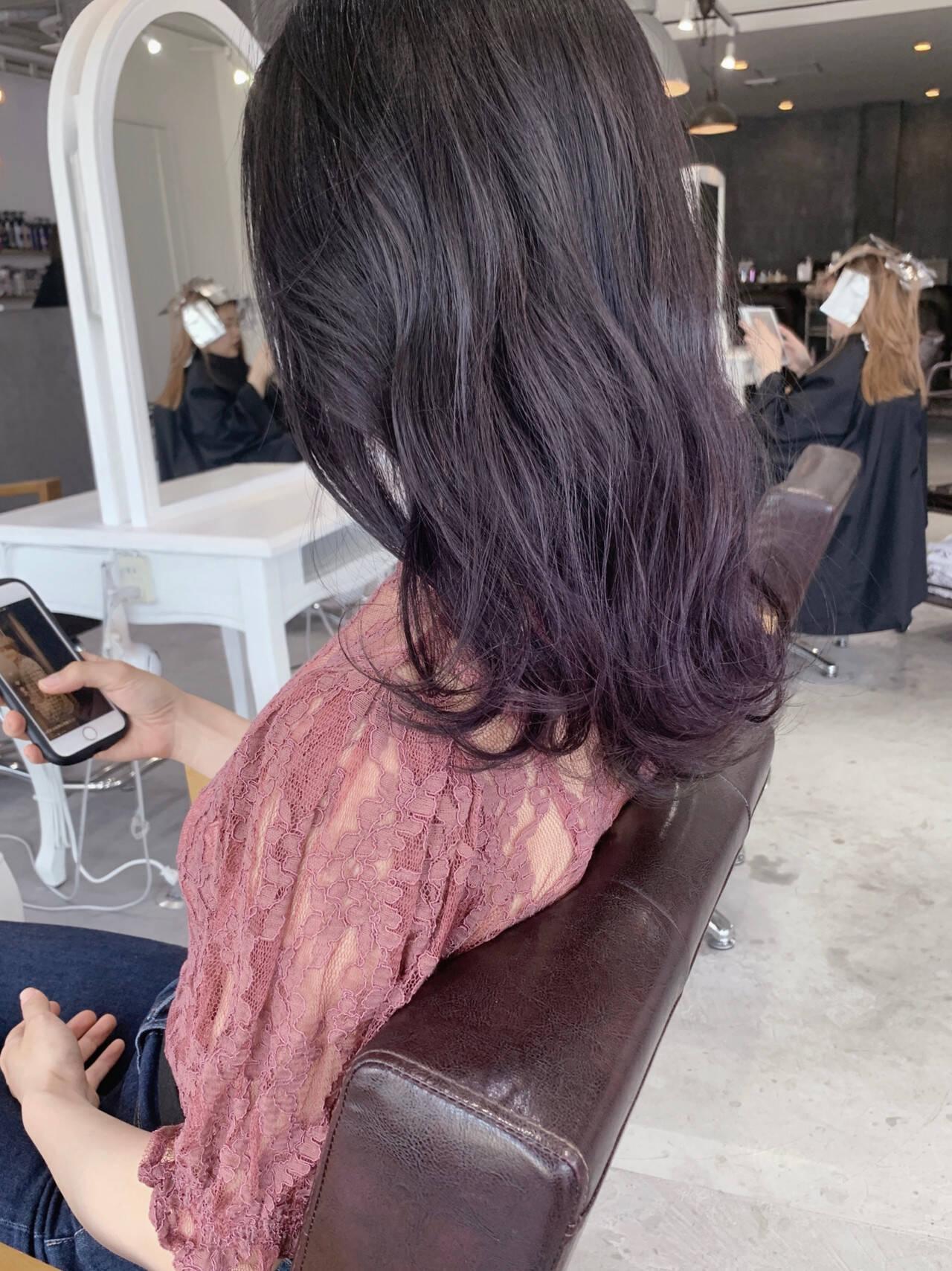 ナチュラル ブルーラベンダー セミロング グラデーションカラーヘアスタイルや髪型の写真・画像