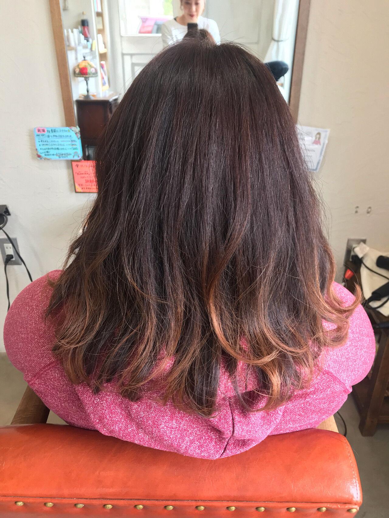 ピンク グラデーションカラー ストリート ベリーピンクヘアスタイルや髪型の写真・画像