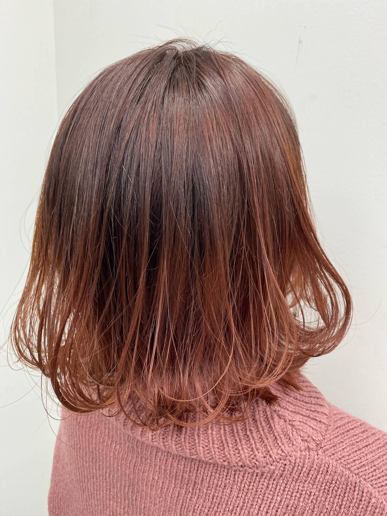ロング デート フェミニン 切りっぱなしボブヘアスタイルや髪型の写真・画像