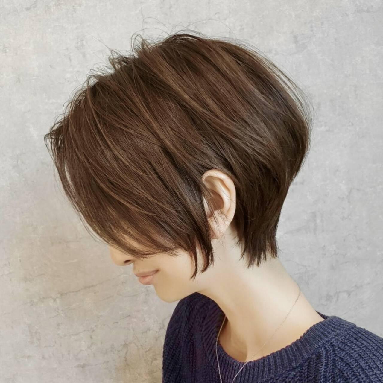 ショート ナチュラル ショートボブ インナーカラーヘアスタイルや髪型の写真・画像
