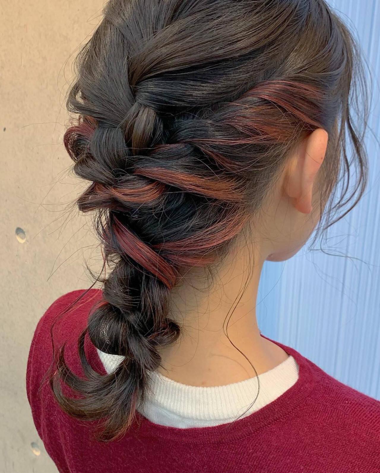インナーカラー ヘアアレンジ セミロング ダブルカラーヘアスタイルや髪型の写真・画像