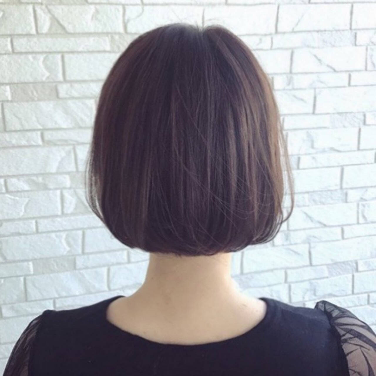 切りっぱなしボブ ミニボブ ボブ ベージュヘアスタイルや髪型の写真・画像