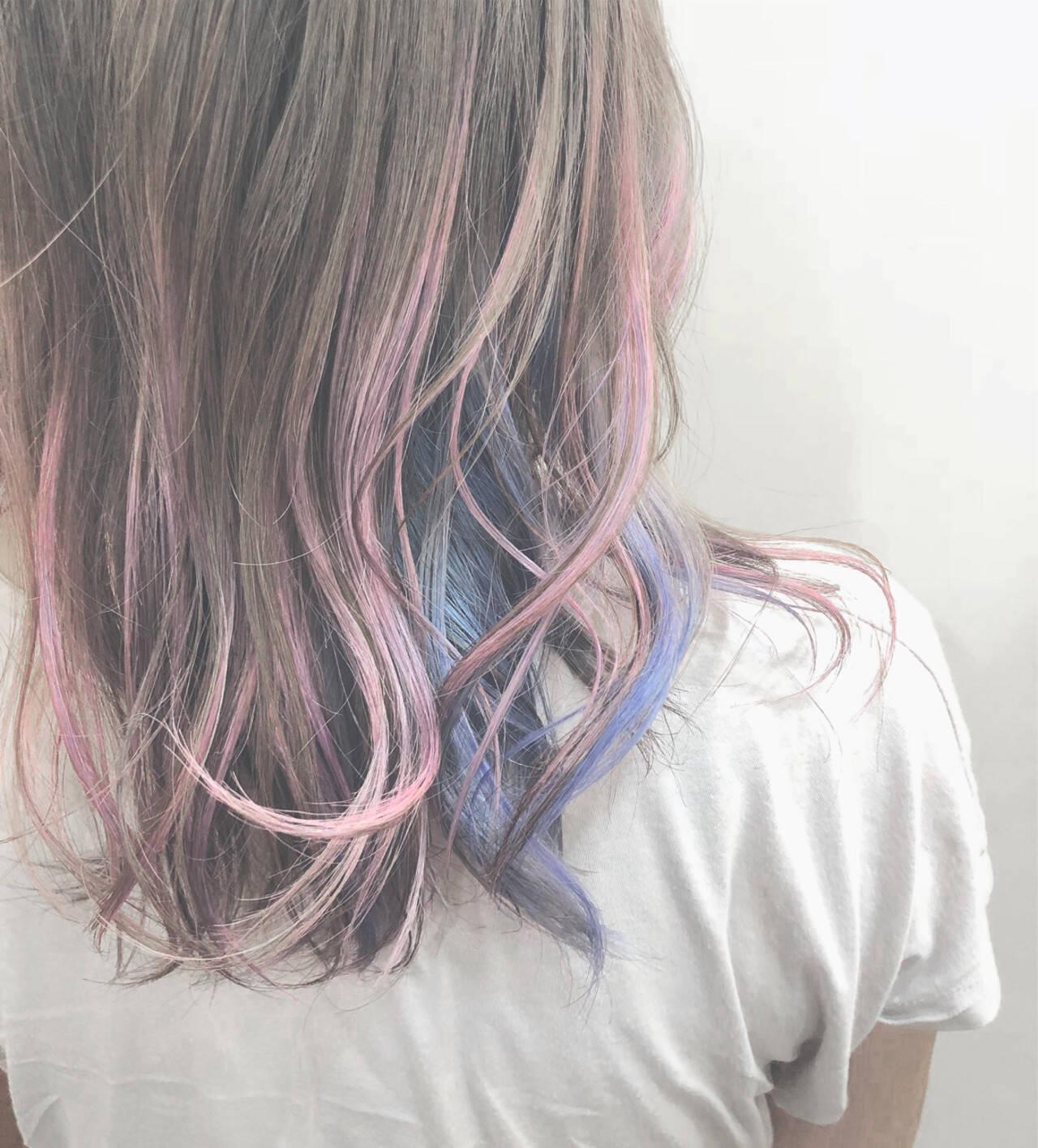 ミディアム バレイヤージュ ハイライト パステルカラーヘアスタイルや髪型の写真・画像