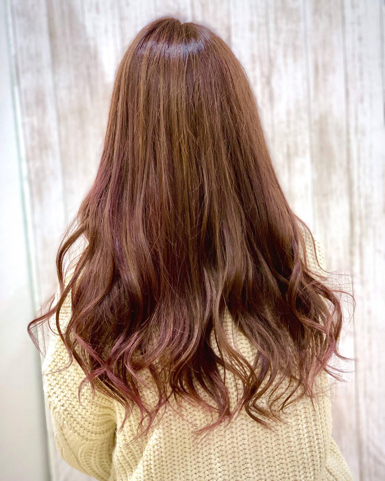 グラデーションカラー ロング ピンクカラー ゆるふわヘアスタイルや髪型の写真・画像