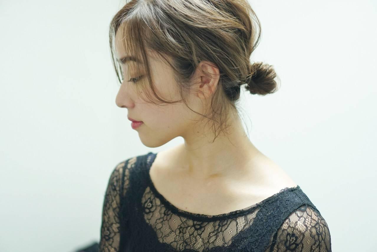 フェミニン ヘアアレンジ ミディアム シニヨンヘアスタイルや髪型の写真・画像