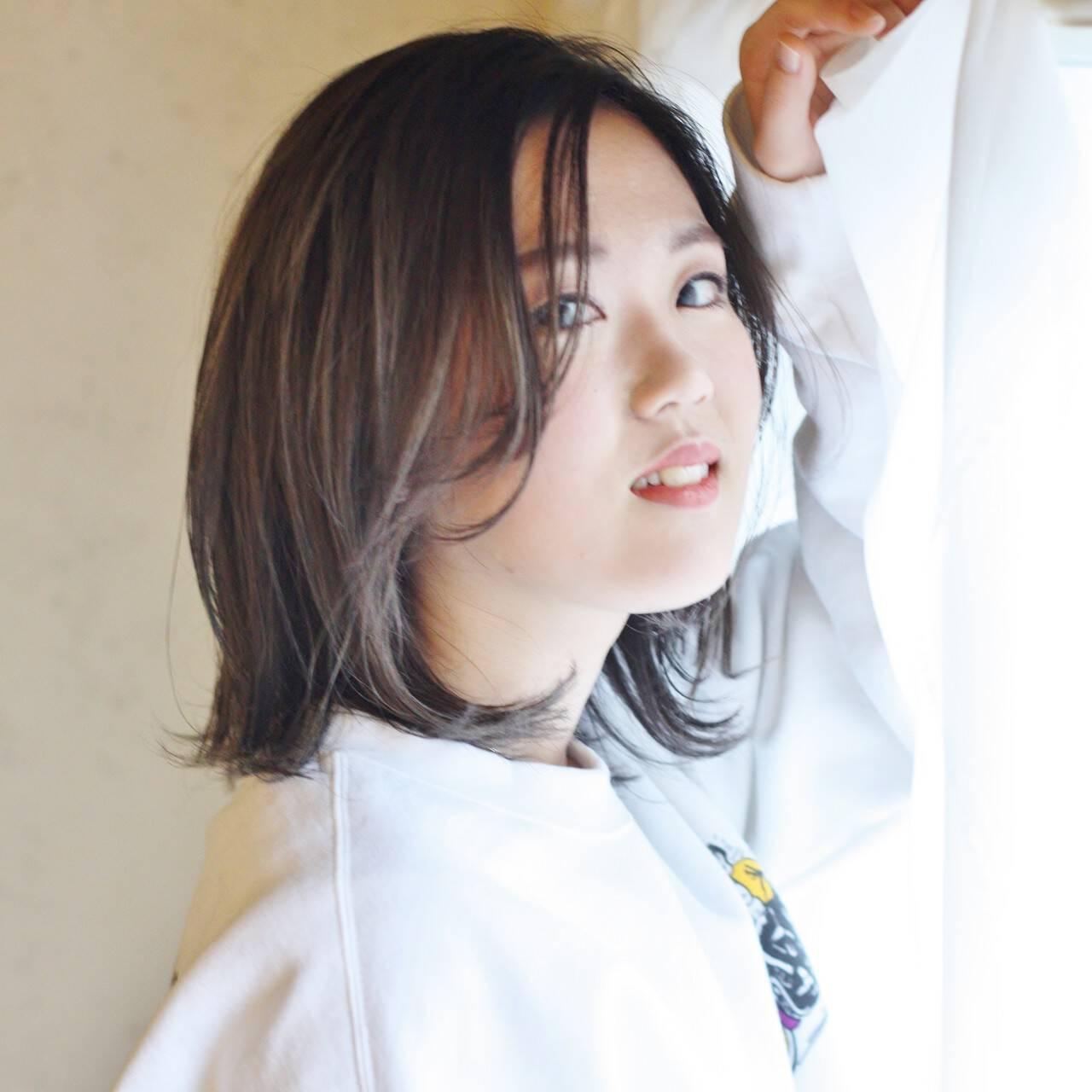 ミディアム グラデーションカラー ストリート バレイヤージュヘアスタイルや髪型の写真・画像